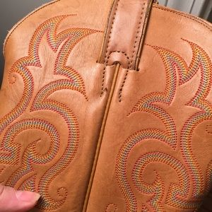 Justin Boots Shoes - Justin western boots. Size 7. Beautiful.